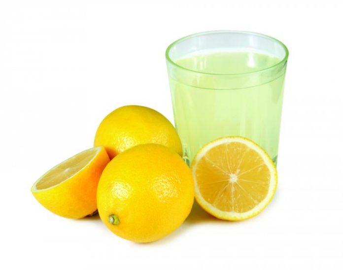 Utilisez le jus de citron